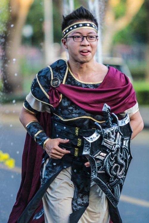 Hình ảnh chiến binh từ Roma (Italy) được tái hiện trên cung đường.