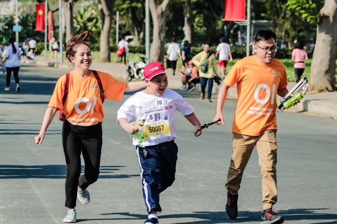 Giải còn tạo điều kiện cho mọi đối tượng tham gia, mang đến cơ hội cho những VĐV bị ảnh hưởng bởi chất độc màu da cam chinh phục đường chạy 5 km.