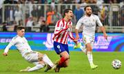 Zidane khen Valverde dũng cảm nhận thẻ đỏ