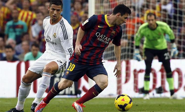 Ronaldo và Messi làm nên một thập niên đối đầu hấp dẫn. Ảnh: Reuters