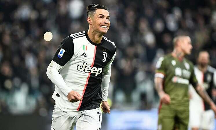 Ronaldo đang tìm kiếm Quả Bóng Vàng thứ sáu. Ảnh: Reuters