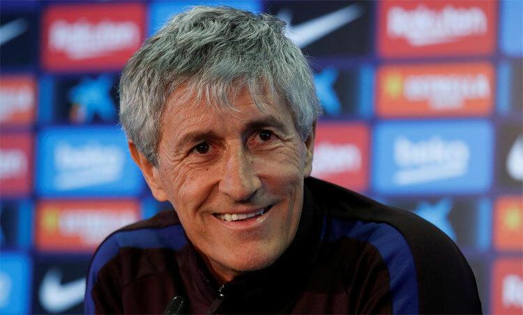 Setien ấn tượng về sự chuyên nghiệp và tôn trọngcủa cầu thủ Barca. Ảnh: Reuters