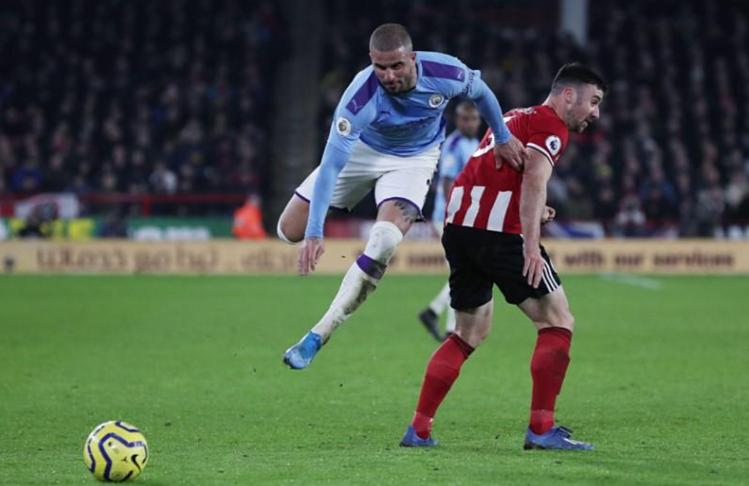 Man City chơi trên chân, nhưng không thể tạo khác biệt trong ba phần tư thời gian đầu trận. Ảnh: Reuters.