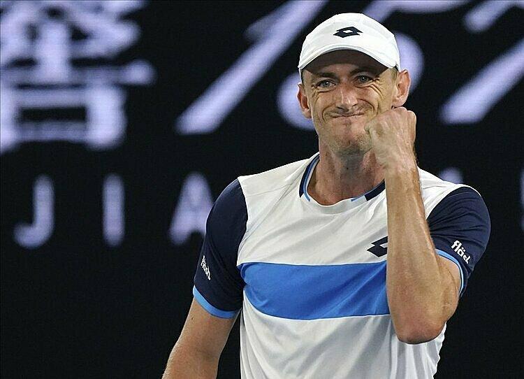 Millman gây áp lực lớn lên Federer trong cả trận. Ảnh: AP.