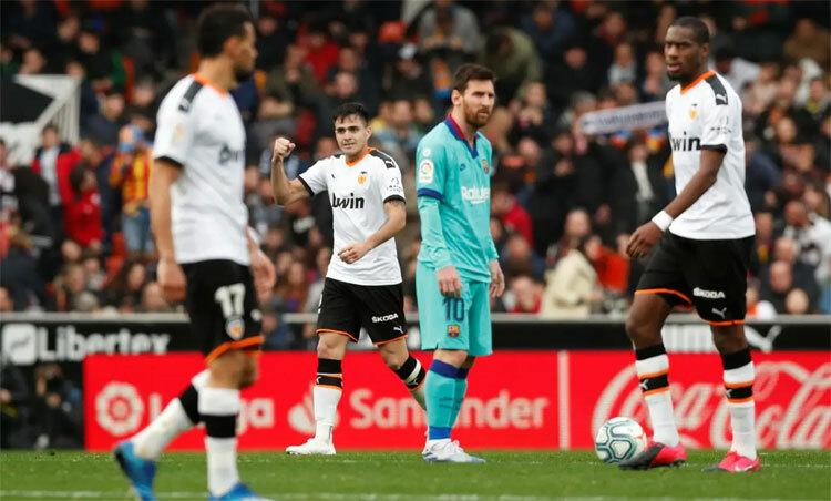 Valencia giữ bóng ít hơn nhưng hiệu quả vượt trội. Ảnh: Reuters