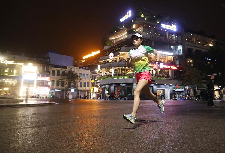 Giải chạy đêm Hà Nội đóng cổng bán vé Regular hôm nay