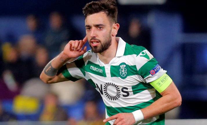 Fernandes thể hiện tốt trong cả hai khâu chuyền bóng và ghi bàn. Ảnh: Reuters