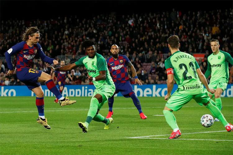 Griezmann đang cải thiện hiệu suất ghi bàn cho Barca. Ảnh: Reuters