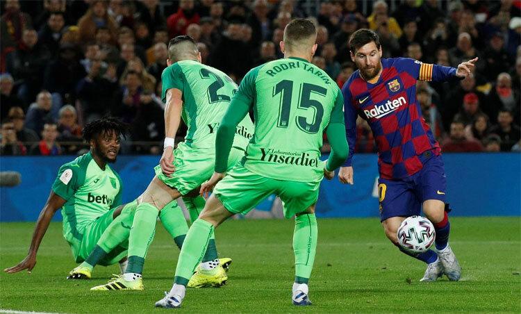 Messi luôn là linh hồn hàng công Barca.