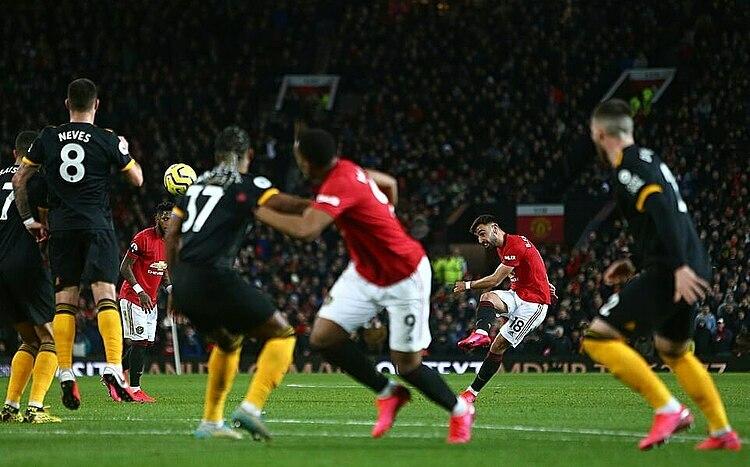 Bruno Fernandes ra mắt khá ấn tượng nhưng không thể giúp Man Utd chiến thắng. Ảnh: BPI.