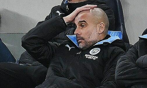 Nỗi thất vọng của Guardiola. Ảnh: EPA.