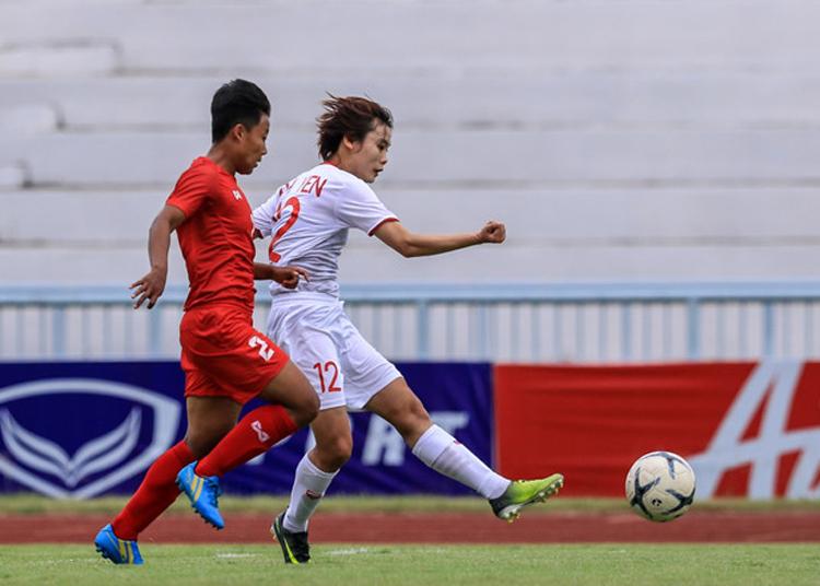 Việt Nam (trắng) thống trị khu vực Đông Nam Á khi lên ngôi ở cả AFF Cup và SEA Games trong năm 2019. Ảnh: Lâm Đồng.