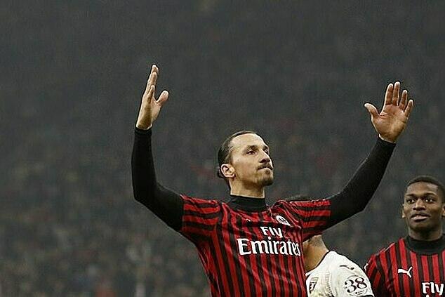 Ibrahimovic từng bị CĐV Inter ghẻ lạnh khi chuyển sang Milan trước đây. Ảnh: AP.