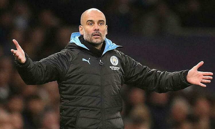 Guardiola đang bất an ở Man City. Ảnh: Reuters.