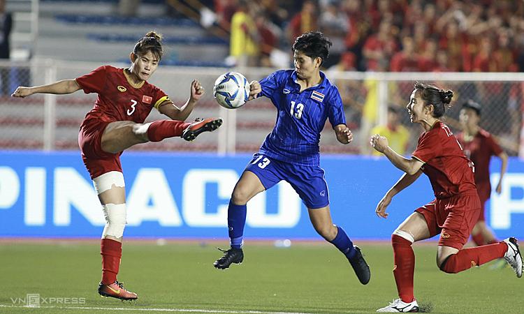 Chương Thị Kiều (trái) trở lại đội tuyển. Ảnh: Lâm Đồng.