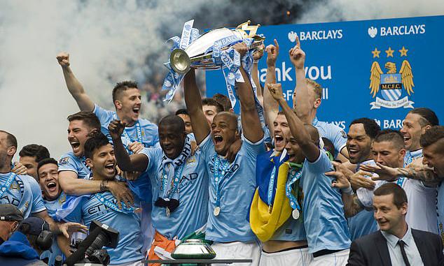 Man City vô địch Ngoại hạng Anh mùa 2013-2014 nhờ hơn Liverpool hai điểm. Ảnh: DM.