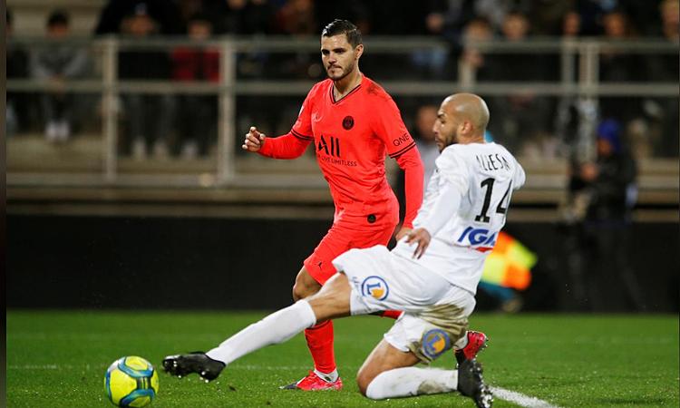 Icardi (trái) nâng tỷ số lên 4-3 nhưng PSG vẫn bị gỡ hòa phút cuối. Ảnh: Reuters.