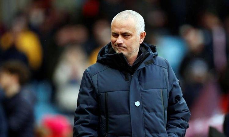Mourinho . Ảnh: Reuters.