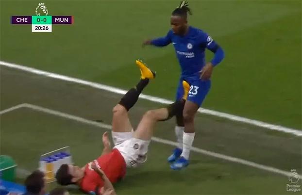 Lampard đổ lỗi cho trọng tài