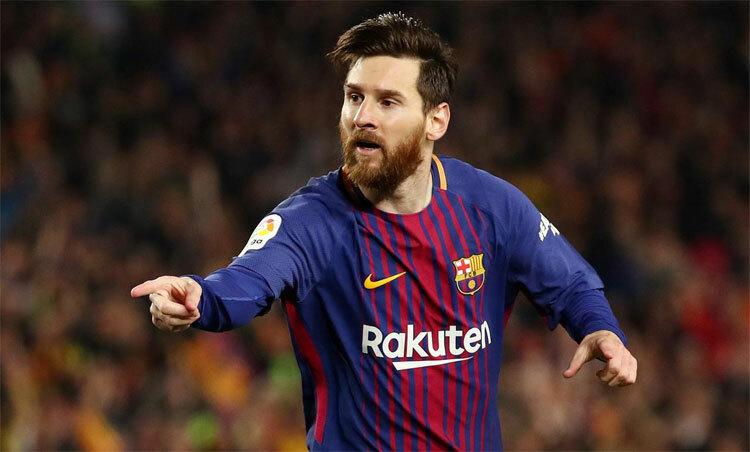 Messi bình thản ngay cả khi có thể là nạn nhân của một vụ chơi xấu. Ảnh: Reuters.
