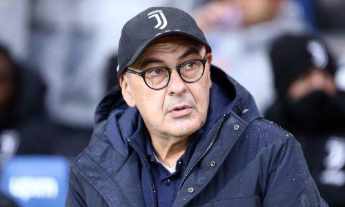 HLV Sarri phát triển sự nghiệp muộn. Mãi tới năm 56 tuổi, ông mới dẫn dắt một đội ở Serie A. Ảnh: Shutterstock.