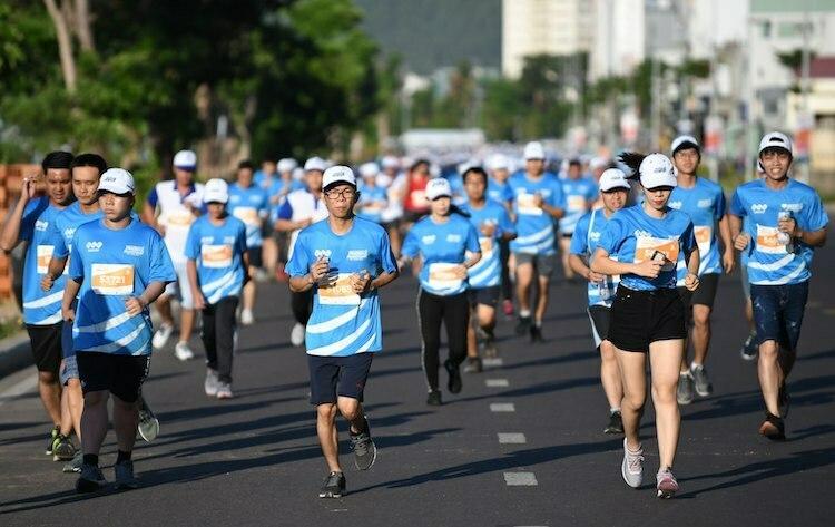 Các vận động viên tại giải VnExpress Marathon Quy Nhơn 2019.