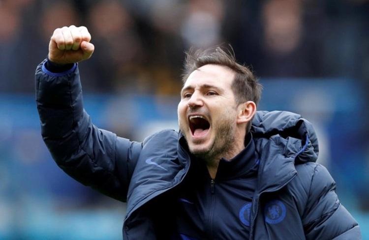 Thầy trò Lampard vừa lấy lại niềm tin sau trận thắng Tottenham cuối tuần vừa rồi. Ảnh: Reuters.