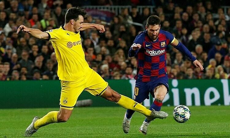 Messi (phải) đạt hiệu suất một bàn, một kiến tạo mỗi trận, ở sáu trận gần nhất. Ảnh: Reuters.