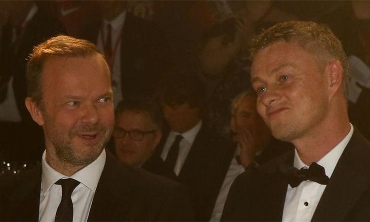 Ed Woodward (trái) tin tưởng Man Utd sẽgặt hái thành công về lâu dài với HLV Solskjaer. Ảnh: Sky Sports.