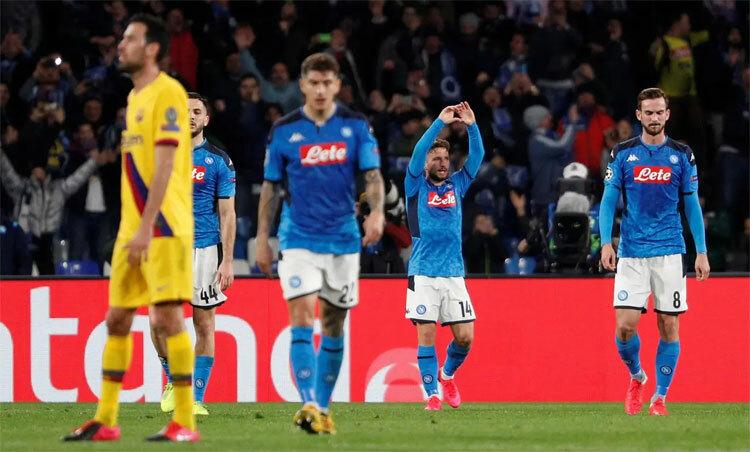 Napoli thành công trong việc ngăn Barca chơi thứ bóng đá sở trường. Ảnh: Reuters.