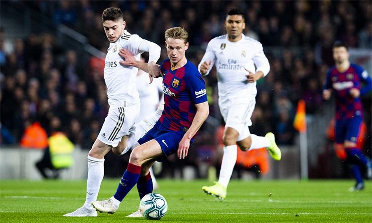 De Jong từng dự trận El Clasico ở lượt đi mùa này hôm 18/12/2019, nhưng khi đó, anh và Barca bị Real cầm hoà 0-0 tại Nou Camp.