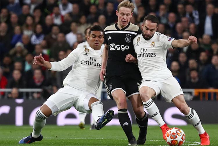 De Jong là nguồn cảm hứng lớn giúp Ajax đánh bại Real ở vòng 1/8 Champions League mùa trước. Ảnh: Reuters.
