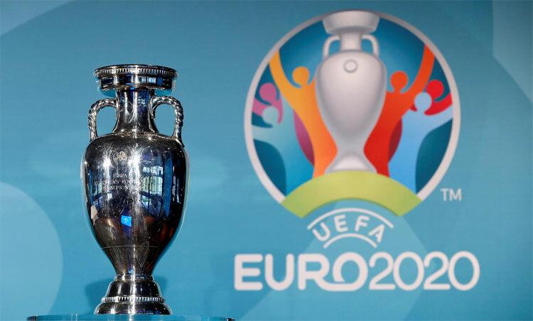 Euro chưa chắc diễn ra hè năm nay. Ảnh: Reuters.