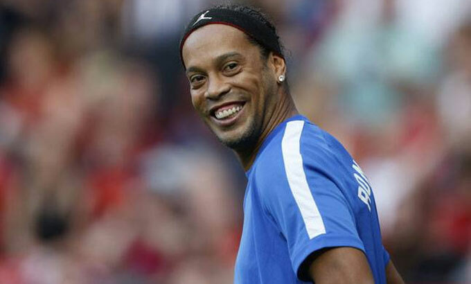 Ronaldinho là một trong những cầu thủ hay nhất lịch sử bóng đá thế giới. Ảnh: Reuters.