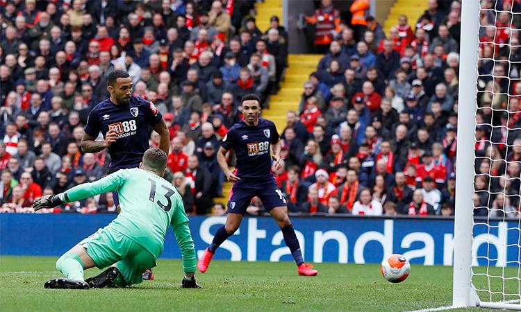 Wilson mở tỷ sốở phút thứ 9. Đây là bàn đầu tiên Bournemouth ghi được vào lưới Liverpool tại Ngoại hạng Anh kể từ tháng 4/2017. Ảnh: Reuters.