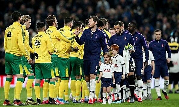 Ngoại hạng Anh cấm cầu thủ bắt tay