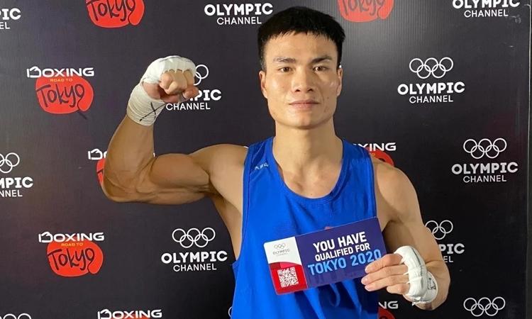 Nguyễn Văn Đương giành tấm vé lịch sử dự Olympic cho boxing Việt Nam.