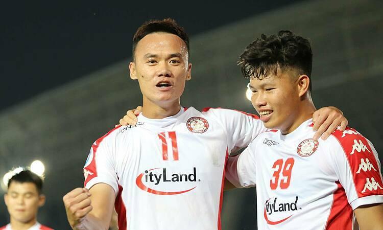 Xuân Nam ghi bốn bàn trong 49 phút gần nhất. Ảnh: Cao Toàn.