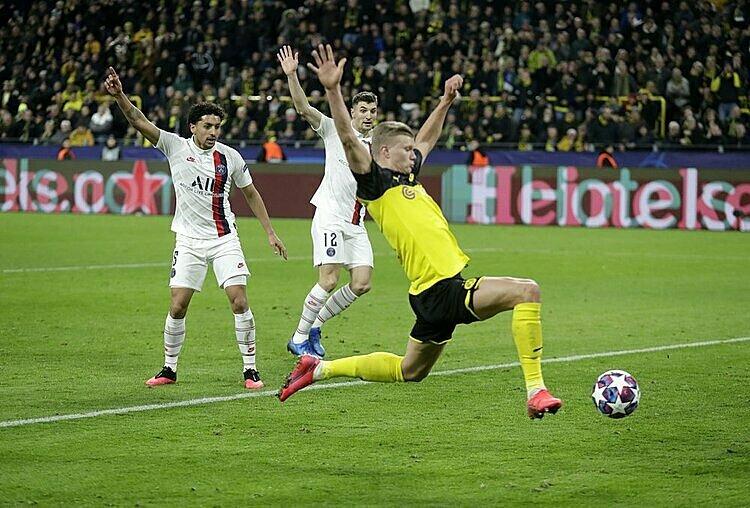 Haaland (vàng) ghi 10 bàn chỉ sau 464 phút thi đấu tại Champions League. Ảnh: AP.