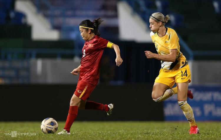 Huỳnh Như lập công, chấm dứt 12 năm tuyển nữ Việt Nam không thể ghi bàn vào lưới Australia. Ảnh: Lâm Thoả