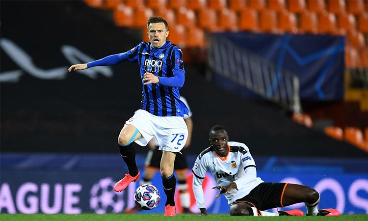 Bốn bàn trong trận gặp Valencia hôm qua giúp Ilicic có sáu bàn tại Champions League mùa này. Ảnh: AFP.