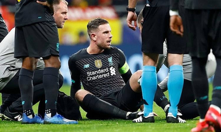 Liverpool trôngchờ Henderson trở lại sau khi cầu thủ này vắng mặt năm trận gần đây. Ảnh: Reuters.