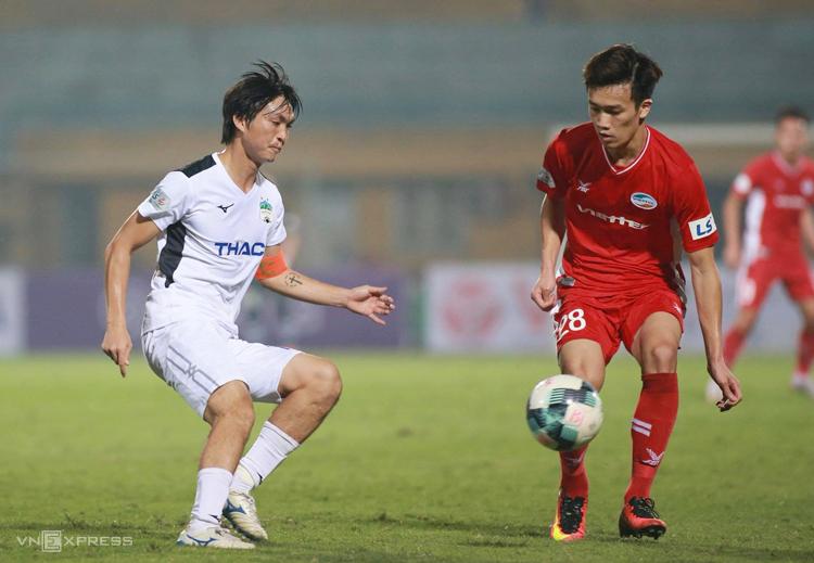 HAGL đánh rơi chiến thắng sau khi dẫn trước Viettel hai bàn trong trận đấu trên sân Hàng Đẫy ngày 15/3. Ảnh: Lâm Thoả
