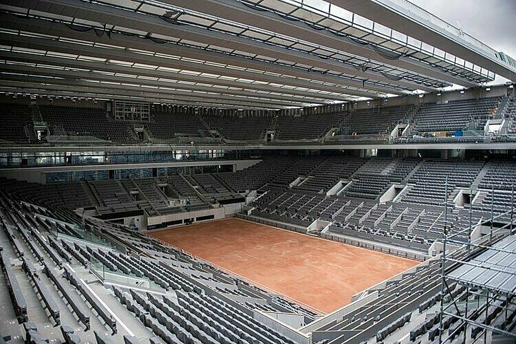 Mái che sẽ lần đầu được đưa vào sử dụng tại sân chính Philippe Chatrier ở Roland Garros năm nay. Ảnh: AP.