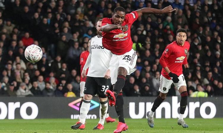 Ighalo ghi bàn vào lưới Derby County trong trận Man Utd thắng 3-0 ở vòng 1/8 Cup FA hôm 5/3. Ảnh: Reuters.
