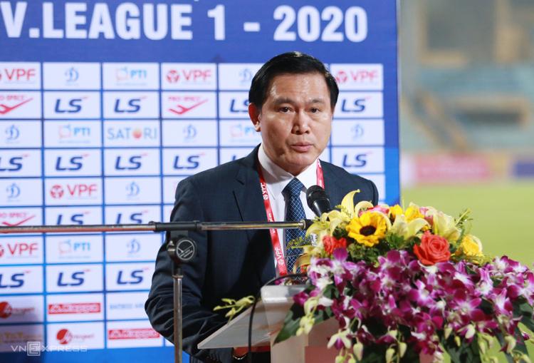Ông Trần Anh Tú đề nghị các CLB cùng nhau nghiên cứu, chọn ra phương án tối ưu cho V-League 2020. Ảnh: Lâm Thoả