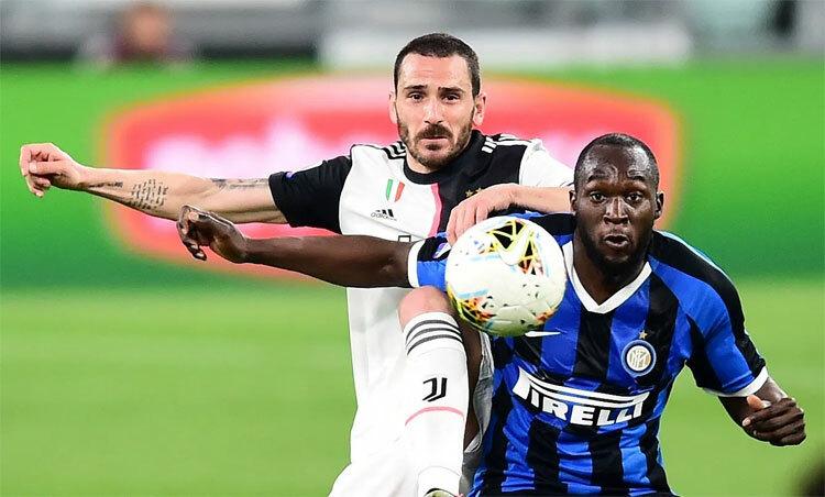 Juventus thắng Inter 2-0 ngay trước khi giải bị hoãn. Ảnh: Reuters.