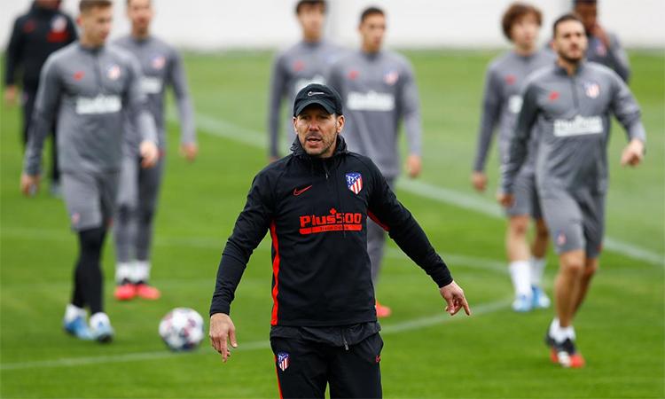 HLV Simeone hiện nhận lương cao nhất ở Atletico Madrid. Ảnh: Reuters.
