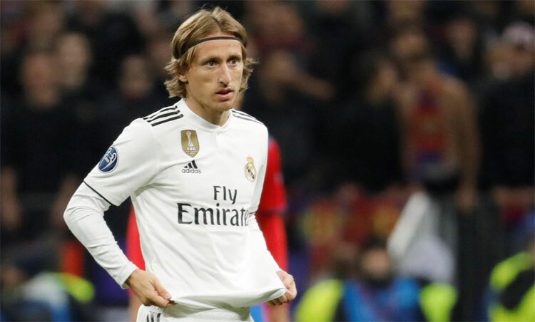 Modric không còn sung sức như xưa. Ảnh: Reuters.