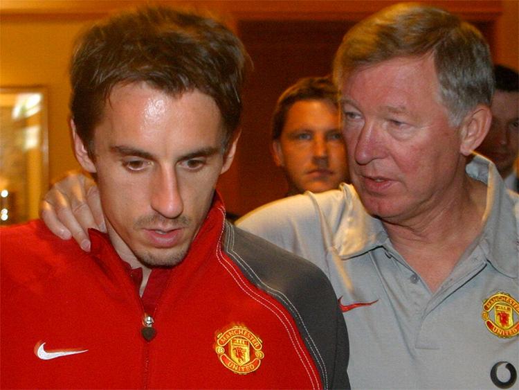Những bài học về kinh nghiệm quản trị đội bóng của Alex Ferguson không được Neville áp dụng triệt để ở Valencia. Ảnh: PA.